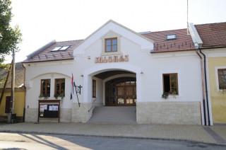 Faluház, Bodrogkeresztúr