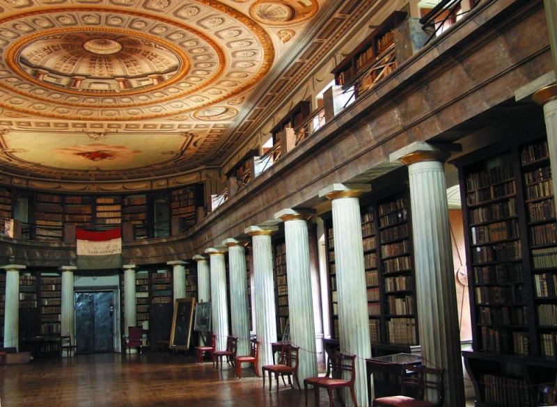 Nagykönyvtár